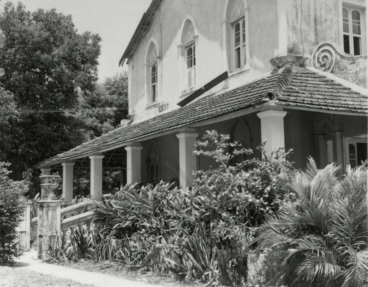 Primeira sede da Escola de Arquitetura, Chácara do Coronel Pierreleveé, 1965.