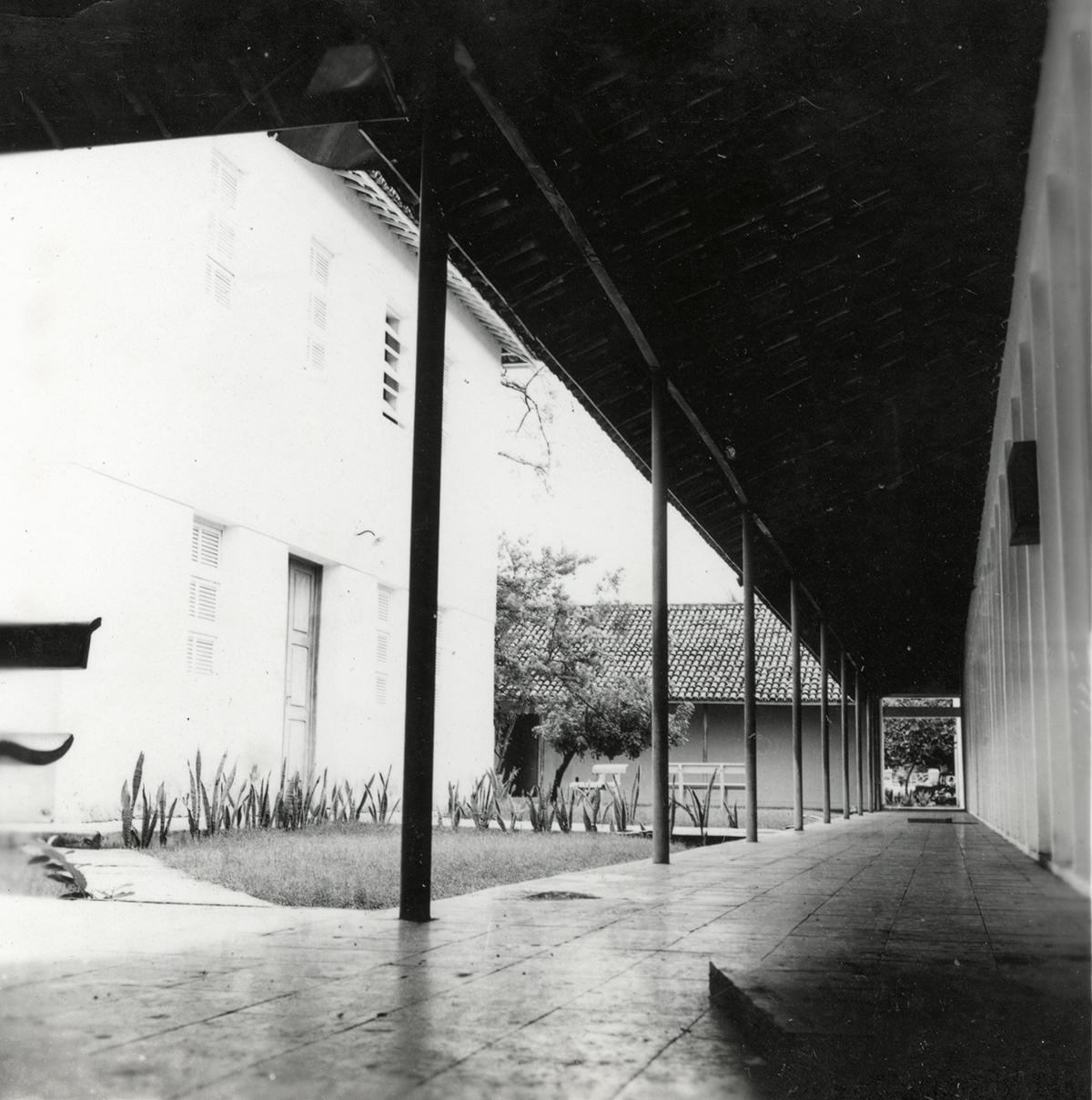 Prédio da Escola de Engenharia, Cruzamento da Av. da Universidade e da Av. 13 de maio, 1968.