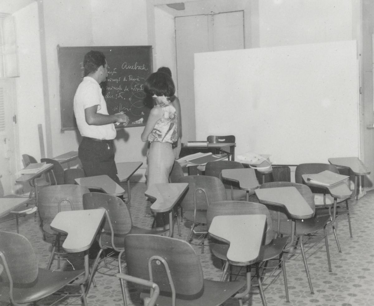 Sala de aula na primeira sede da Escola de Arquitetura, 1965.