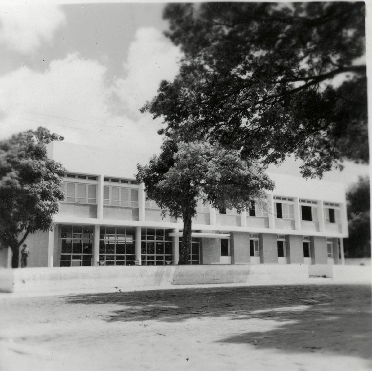 Segunda sede do Departamento de Educação e Cultura, onde funcionava também a Imprensa Universitária, 1962. Atualmente é a Pró-Reitoria de Extensão.