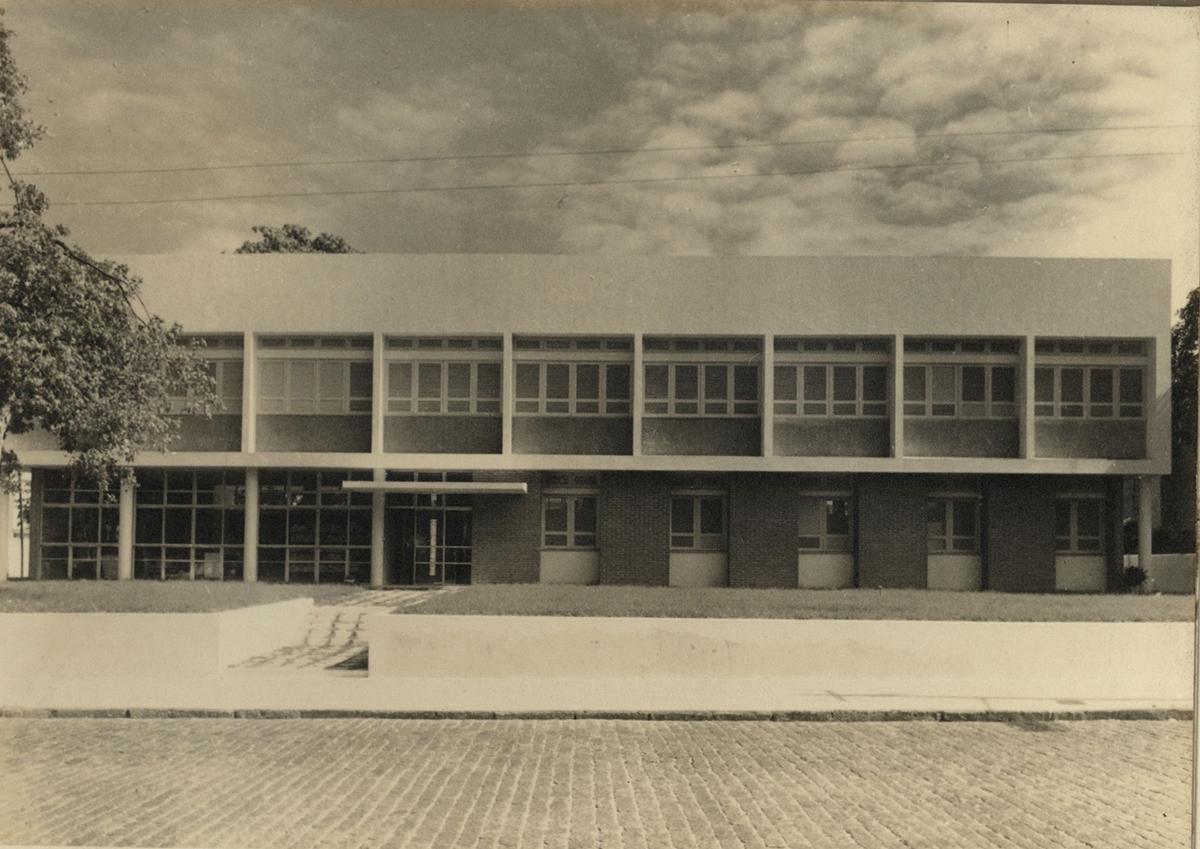 Fachada do prédio do Dep. de Educação e Cultura, 1962.