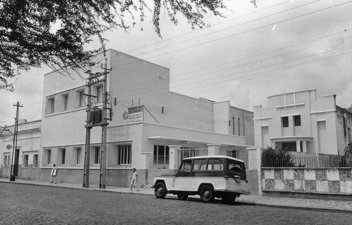 Conservatório de Música Alberto Nepomuceno e Teatro Universitário, 1965.