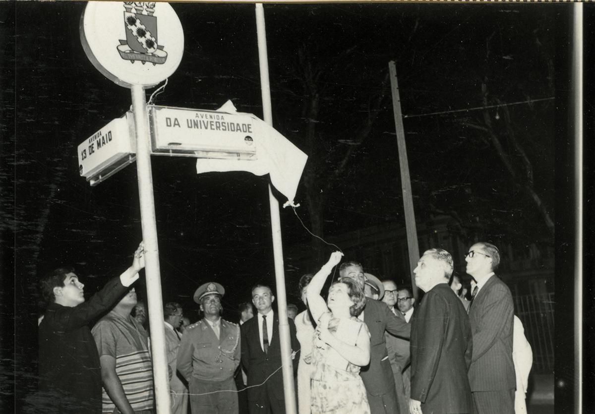 . Inauguração da Av. da Universidade, 1966.