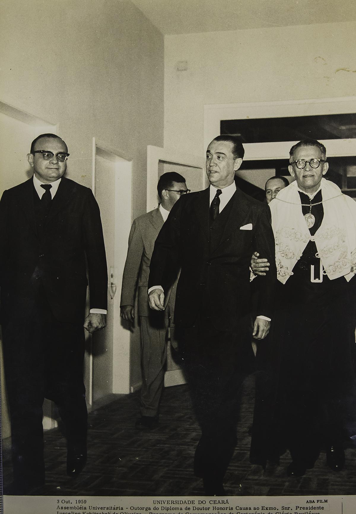 Outorga do diploma de Doutor Honoris Causa ao então presidente da República, Juscelino Kubitschek - 03/10/1959.