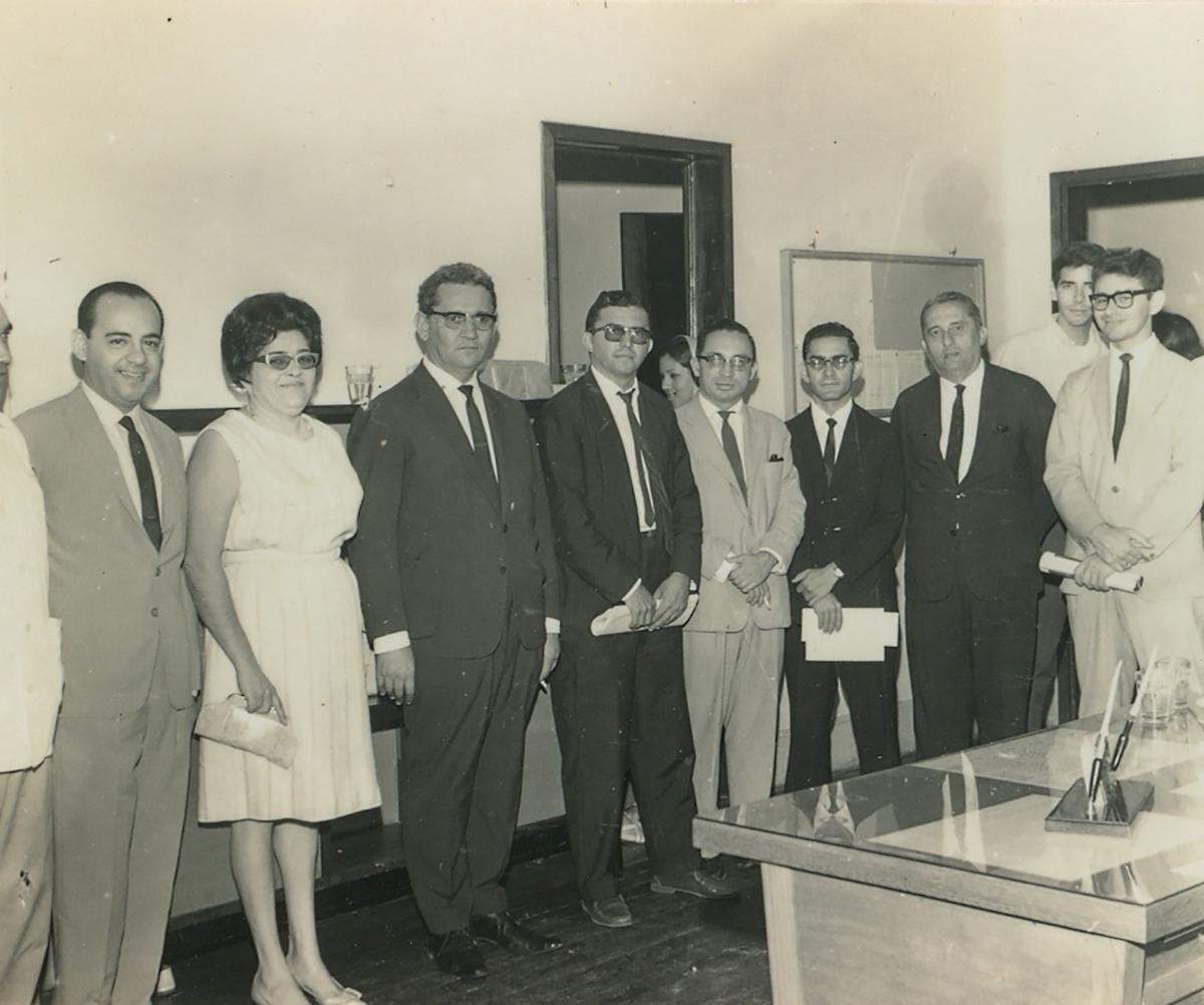 Equipe da FFCL - Aniversário do Diretor Pe. Luz - Sede da FFCL, hoje Casa de Cultura Francesa - 26.06.1965